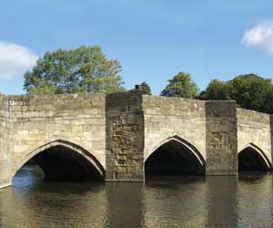 Bakewell bridge over the River Qye